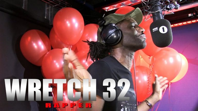WRETCH 32 DELIVERS ANOTHER EPIC FIRE IN THE BOOTH
