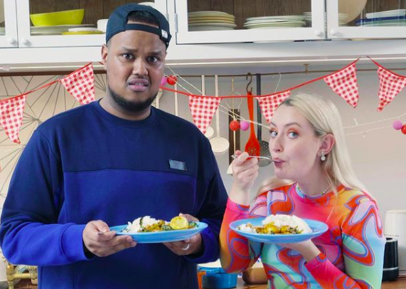 Amelia Dimoldenberg recruits Chunkz as her sous-chef for the latest episode of 'Amelia's Cooking Show'